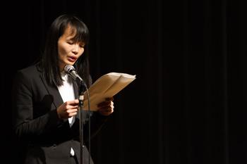 職員Dinh・Thuy・Linh